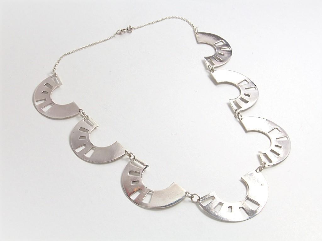 silver necklace dorakapousouzi